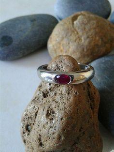Mira este artículo en mi tienda de Etsy: https://www.etsy.com/listing/213434517/stone-14k-white-gold-ring