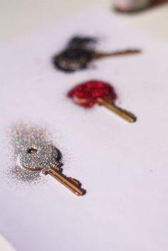 DIY glitter keys!