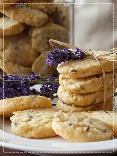 Kouzlo mého domova: Levandulové sušenky Valspar, Edible Flowers, Food To Make, Food And Drink, Sweets, Cookies, Baking, Recipes, Homeland