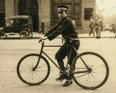 A Lewis Hine photograph of a typical messenger boy working in Birmingham Alabama. Part of a series of photographs of child labor. Vintage Photographs, Vintage Photos, Shorpy Historical Photos, Historical Images, Lewis Hine, Bike Messenger, Magic City, Birmingham Alabama, High Resolution Photos