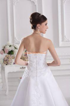 Elegantes Brautkleider Online 2013 aus Satin mit Stickerei