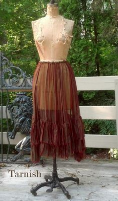 Theda Walking Skirt