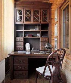 Письменный стол на балконе