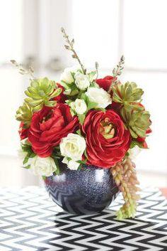 Couples Party: Floral Arrangement