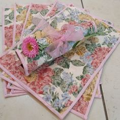 Jogo americano floral. ateliepetit@hotmail.com