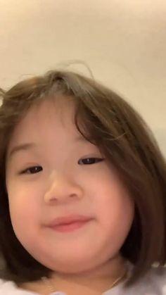 Cute Kids Pics, Cute Baby Girl Pictures, Cute Couple Pictures, Cute Girls, Cute Asian Babies, Korean Babies, Cute Babies, Korean Girl, Very Cute Baby