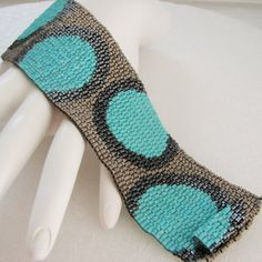 Fashionable Circles in Turquoise and Metals Peyote Cuff / Peyote Bracelet - A Sand Fibers Cr Peyote Beading, Peyote Patterns, Beading Patterns, Bracelet Patterns, Beading Tutorials, Seed Bead Jewelry, Cufflinks, Beaded Bracelets, Seed Beads