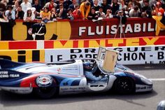 Gérard Larrousse / Vic Elford - Porsche 917L - Martini International Racing Team - XXXIX Grand Prix d´Endurance les 24 Heures du Mans - 1971 International Championship for Makes, round 9 - Challenge Mondial, round 4