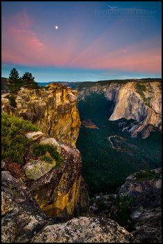 Moonset at dawn over Yosemite Valley and El Capitan from Taft Point, Yosemite National Park, California