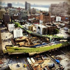 5/29/2012:  Looking down the Highline - Chelsea  Hells Kitchen (Midtown West) photo by @johndeguzman #NYC