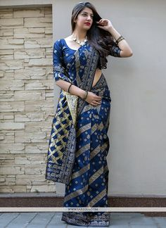 Buy indian designer sarees online for all occasions. Grab this outstanding art silk traditional saree Art Silk Sarees, Silk Sarees Online, Fancy Sarees, Party Wear Sarees, Saree Dress, Silk Dress, Indian Designer Sarees, Indian Sarees, Saree Shopping