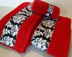 Arbonne Discover Red and Grey Towels hand towels towel sets bath towels gray and red towels custom towels decorated towels august ave red chevron White Bathroom Decor, Bathroom Red, Yellow Bathrooms, Bath Decor, Small Bathroom, Grey Bath Towels, Red Towels, Bathroom Towels, Black Towels