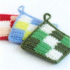 エコたわしを作ろう♪カフェキッチンで編む使いやすいスクエアタワシ3色のブロック模様【ニットキット】 Coasters, Coin Purse, Crochet Patterns, Tapestry, Diy Crafts, Knitting, Pot Holders, Roses, Accessories