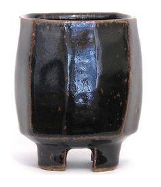 JEFF OESTREICH - Four-Footed Cup Yunomi, Tenmoku Japanese Tea