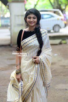 Drishya Raghunath at Match Box Audio Launch Kerala Engagement Dress, Engagement Dresses, Kerala Saree, Indian Sarees, Beautiful Saree, Beautiful Indian Actress, Beautiful Women, Saree Hairstyles, White Kurta