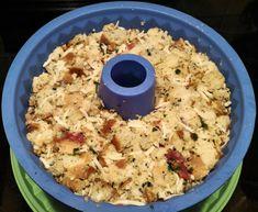 """Hier in Kathrinshome lieben wir Semmelknödel! Sie sind nicht nur leckere Braten-/Gulaschbeilage, sondern gerade als """"Resteverwertung"""" auch eine wunderbare Hauptspeise mit einem frischen Salat bzw. einer leckeren Rahmsauce. Das einfach zuzubereitende Rezept findet ihr im Rezeptbuch auf www.kathrins-home.de"""