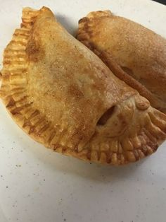 My husband loves fried pies but we don't get them much because well its fried and all that grease is not good . Well since I got my new toy things have changed and now we can have them …