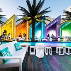 Saturday means it's time for #adventure, and there's nothing more exhilarating than waterfront festivities in #Australia! At the Matisse Beach Club, Oldfield Knott Architects made sure to deliver results that complement world-class views of the Indian Ocean with an ideal combination of #glamour, #technology, and contemporary #design. Colorfully chic cabanas, sleek furnishings by @vondomslu, and a sparkling #pool that ties the entire space together make this a friendly getaway where anyone…