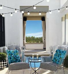Set the mood under the pergola or umbrella- all without an outlet with our Battery-operated Bistro String Lights.