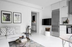 Небольшая белая квартира с камином (34 кв. м)   Пуфик - блог о дизайне интерьера