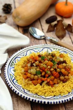 Chickpea tajine, dates and roasted vegetables with honey - vegetarian Veggie Recipes, Vegetarian Recipes, Healthy Recipes, Roasted Vegetables, Veggies, Quinoa, Scones Ingredients, Healthy Food Alternatives, Vegan Blueberry