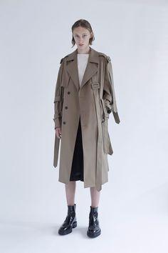 Yang Li Spring 2017 Menswear Collection Photos - Vogue