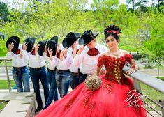 Red quince dress Al Estilo Isabella, Quinceanera Dresses Short, Quinceanera Court, Sweet 15 Quinceanera, Quinceanera Themes, Quince Themes, Quince Ideas, Quince Dresses Mexican, Charro Dresses, Quince Pictures