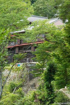 Japaninfo added 35 new photos to the album: ล่องเรือชมธรรมชาติงาม@Doro-kyo กับทัวร์ในประเทศ 8,990 - 9,990 เยน — at 瀞峡.