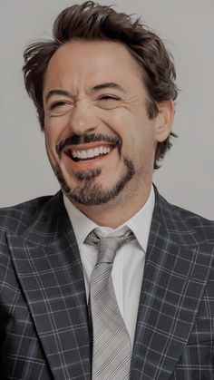 7 billion smiles and yours is my fav Robert Downey Jr., Robert Downey Jr Joven, Robert Downey Jr Young, Marvel Tony Stark, Iron Man Tony Stark, Marvel Wallpapers, Robert Jr, The Best Films, Downey Junior