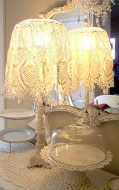 Dainty linen lamp
