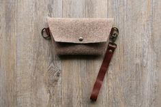 Felt pouch - pouch in felt wool - fabric purse - felt purse -  felt bag - handbag - wool bag - wool purse - handmade - Valentine day - gift by Creazionidiangelina on Etsy