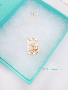 tiffany necklace awarded to nike marathon runners Marathon Health, Tiffany And Co Necklace, Why I Run, Marathon Runners, Diamond Are A Girls Best Friend, World Traveler, Marathons, Pocket Squares, Jewels
