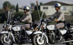 Larry Wilcox, Police Cars, Police Officer, Z 1000, California Highway Patrol, Cop Show, Motorcycle Types, Old Tv Shows, Classic Tv