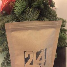 Last day of #adventcalendar from @kaffebox .... Merry Xmas to you all!  #coffee #coffeelover #coffeemoments #coffeemonsters #coffeegeek #coffeeismyfriend #coffeencafe #specialitycoffee #pourover #handdrip #homebrew #homebarista #4mylove #festive #christmasevecoffee #popocoffeebeanrecord #popo家啡 #咖啡 #咖啡是我的朋友 #咖啡癡 #珈琲 #ilovexmas #聖誕咖啡 #kaffejul #kaffebox by popo_pourover_coffee_lover