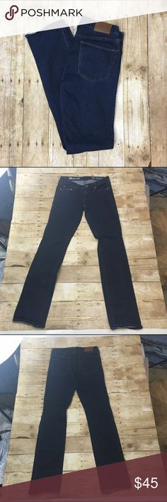 """❗️clearance ❗️Madewell """"rail straight"""" jeans Light wear no stains tears or large signs of wear - super skinny and has stretch Offers are always welcome in my closet, remember to utilize the bundle feature on posh for 2 or more items in my closet and receive 15% off 34"""" inseam Madewell Jeans Skinny"""