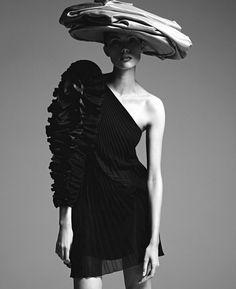 Photography: Sebastian Kim.Stylist: Christine Centenera. Hair: David von Cannon at The Wall Group. Makeup: Yumi Mori at The Wall Group. Model: Charlee Fraser.