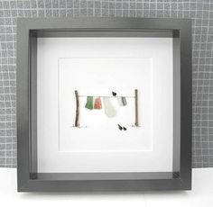 sea glass and pebble washing line artwork , pebble art decor, green sea glass, white Sea glass, birt Sea Glass Crafts, Sea Glass Art, Pebble Pictures, Art Pictures, Line Artwork, Glass Rocks, Art Mural, Pebble Art, Stone Art