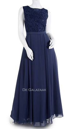 Galajurk navy met v-ruglijn Formal Dresses, Fashion, Moda, Formal Gowns, Fasion, Trendy Fashion, Formal Evening Gowns, La Mode, Formal Dress