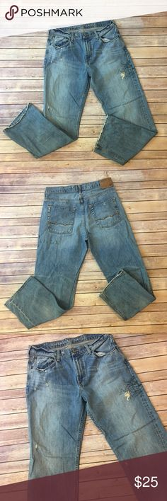 "Men's American Eagle Outfitters Low Loose Jeans Men's American Eagle Outfitters Low Loose Jeans 32 waist 32"" inseam. Distressed look with an American Eagle Print on thigh American Eagle Outfitters Jeans"