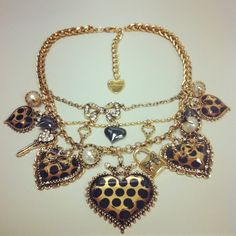 Betsey Johnson chunky necklace! Love, Love, Love!