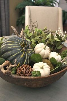 squash for fall decor conceptsDivert white squash for fall decor concepts pumpkin centerpiece Easy fall centerpiece using wood pizza board; fresh seeded eucalyptus, and white pumpkins White Pumpkins, Fall Pumpkins, White Pumpkin Decor, Mini Pumpkins, Fall Home Decor, Autumn Home, Diy Autumn, Autumn Table, Thanksgiving Decorations