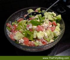A Cool Greek Salad with fresh chopped Oregano Veggie Nachos, Greek Salad, Fresh Herbs, Healthy Recipes, Healthy Food, Cobb Salad, Potato Salad, Veggies, Guilt Free