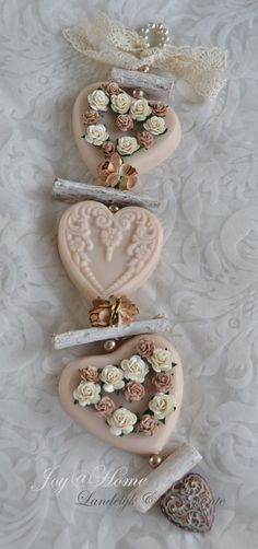 Zeepketting. Zeepharten, roosjes & hout in vele kleurtjes