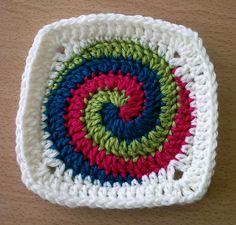 #Free Pattern; crochet; Spiral Squares  ~~