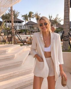 Chic summer outfits ideas - Summer Outfit Ideas Informations About Chic summer outfits ideas Pin You can easily use - Summer Outfits For Teen Girls Hipster, Black Summer Outfits, Korean Summer Outfits, Elegant Summer Outfits, Modest Summer Outfits, Summer Ootd, Casual Outfits Summer Classy, Simple Summer Dresses, Summer Suits