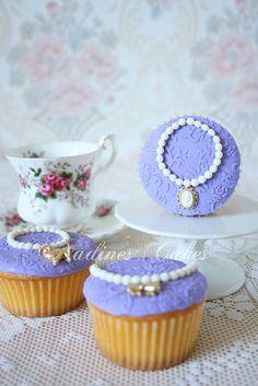 pretty jewelry cupcakes