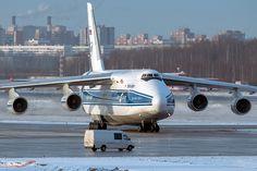 Antonov An-124 #antonov #an124 #ruslan #volga-dnepr #400mm #1dx #canon #pulkovo #led #plane #planespotting #spotting #air #airjet #jet #aircraft #airplane