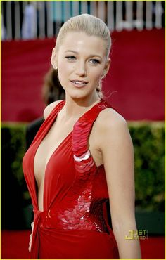 The legendary Blake Lively ...  Moreish Celebrity...   In October 2009, Lively began filming her scenes for her role as Krista Coughlin, in the 2010 film The Town, based on Chuck Hogan's novel Prince of Thieves