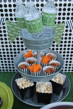 game day party ideas - via mygrafico http://www.partyblog.mygrafico.com/game-day-party-ideas/