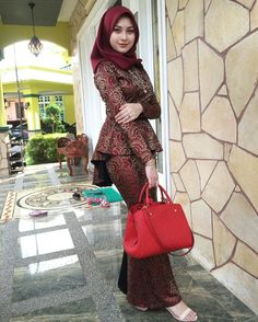 Hijab Dress Party, Hijab Style Dress, Kebaya Muslim, Kebaya Dress, Kebaya Hijab, Beautiful Muslim Women, Beautiful Hijab, African Print Dresses, African Dress
